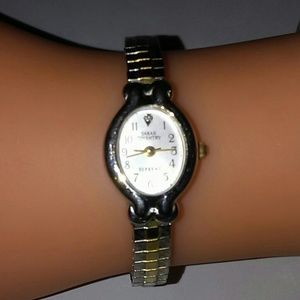 ✨✨3×$15.00✨✨Sarah Coventry watch
